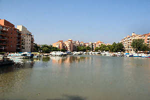 Le Canal Du Midi En Languedoc Toulouse